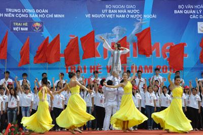 Khai mạc Trại hè Việt Nam 2012