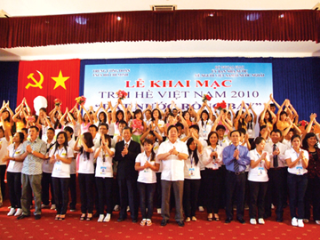 Đổi mới công tác về người Việt Nam ở nước ngoài phục vụ sự nghiệp Công nghiệp hoá, Hiện đại hoá đất nước
