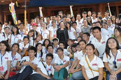 Thanh thiếu niên kiều bào với những hoạt động ý nghĩa tại Côn Đảo