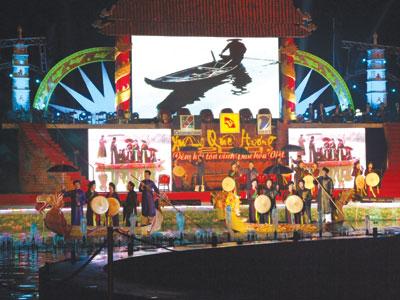 Những đóng góp thiết thực cho công tác về người Việt Nam ở nước ngoài