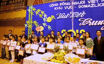 Bước ngoặt phát triển của cộng đồng người Việt Nam tại Séc