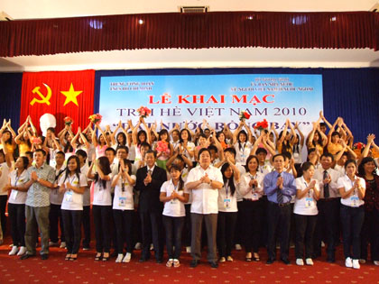 """Trại hè Việt Nam 2011: """"Tiếp bước Lý Tự Trọng"""""""