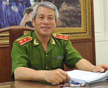 Trung tướng Tô Thường, Tổng cục trưởng tổng cục Cảnh sát QLHC về TTATXH: Nhìn bằng ánh mắt thân thiện, sẽ thấy người dân gần gũi với mình