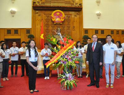 Mặt trận Tổ quốc Việt Nam và Ủy ban Nhà nước về người Việt Nam ở nước ngoài, Bộ Ngoại giao phối hợp vận động người Việt Nam ở nước ngoài và thân nhân