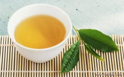 Người bị cao huyết áp nên uống trà