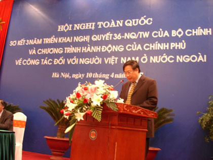 Tiếp tục đẩy mạnh công tác đối với người Việt Nam ở nước ngoài vì sự nghiệp đại đoàn kết dân tộc và chấn hưng đất nước