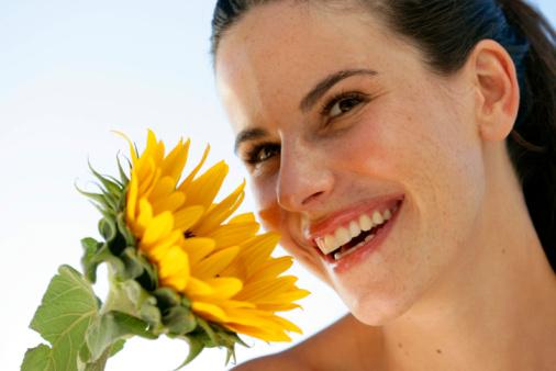 9 cách dùng dầu hướng dương chăm sóc sắc đẹp