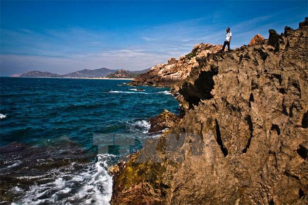 """[Photo] """"Mê hoặc"""" bởi cảnh biển hoang sơ """"không đâu có"""" của Hang Rái"""