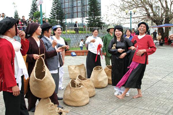 Chạy Ró làng Guột - Trò chơi dân gian  đậm nét văn hóa vùng Kinh Bắc