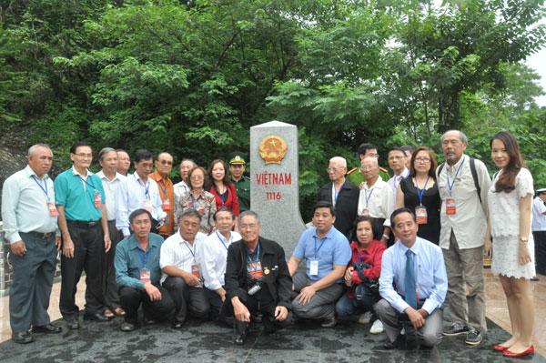 Đoàn kiều bào dự Lễ Kỷ niệm 2/9 thăm vùng biên giới Lạng Sơn