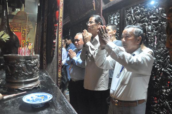 Đoàn kiều bào dự Lễ Kỷ niệm 2/9 dâng hương Đền Trần, Chùa Phổ Minh tỉnh Nam Định