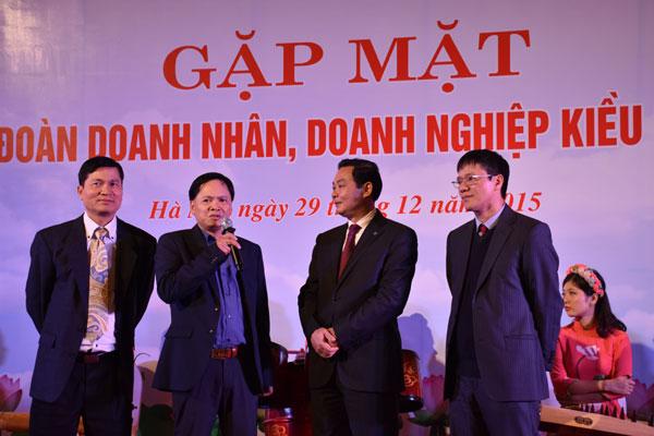 Kết quả hình ảnh cho Người Việt Nam định cư ở nước ngoài chung tay xây dựng đất nước