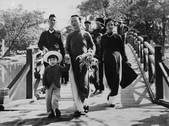 Ngắm trang phục của người Hà Nội trước Giải phóng