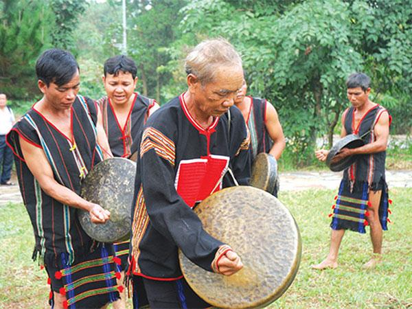 Lễ cúng mưa đầu mùa của dân tộc M'nông