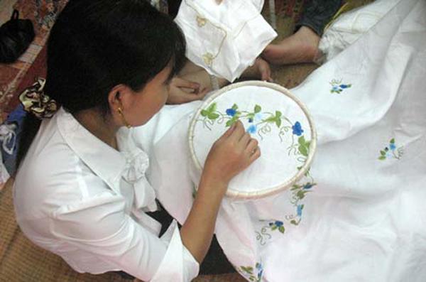 Nghề thêu ren ở Văn Lâm