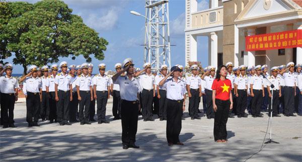 Đoàn kiều bào thăm Trường Sa: Đến với đảo Sơn Ca và Nam Yết