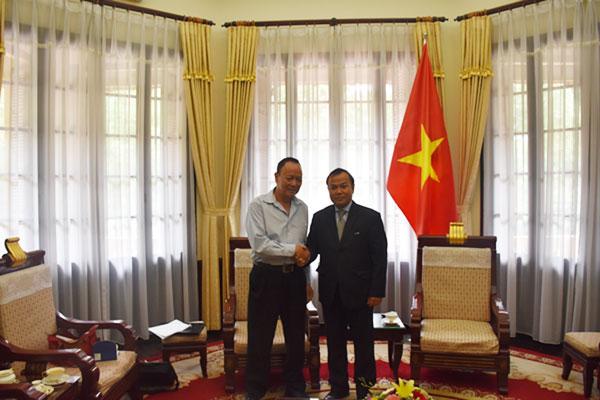 Thứ trưởng Ngoại giao Vũ Hồng Nam tiếp ông Đỗ Văn Du, Giám đốc Chương trình não úng thủy