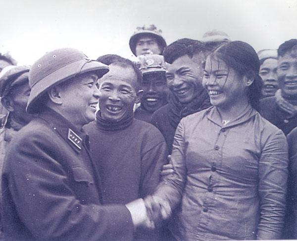 Nhà báo ưu tú Võ Nguyên Giáp