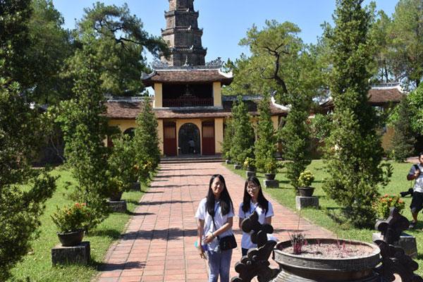 Trại hè Việt Nam 2016: Tiếp tục hành trình khám phá vẻ đẹp cố đô Huế
