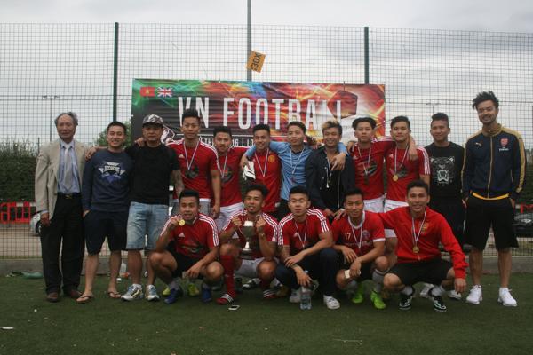 Giải bóng đá từ thiện của cộng đồng người Việt tại London