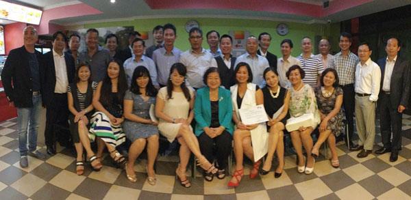 Nguyên Phó Chủ tịch nước Trương Mỹ Hoa thăm cộng đồng người Việt tại Slovakia