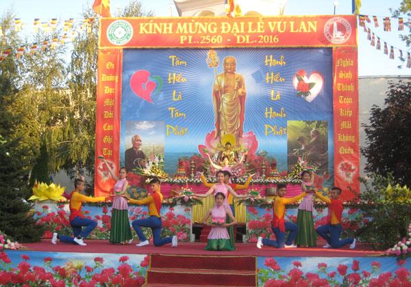 Đại lễ Vu Lan báo hiếu của cộng đồng người Việt tại Ucraina và Anh