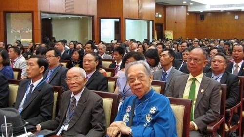 Các đại biểu tham dự Hội nghị người Việt Nam ở nước ngoài lần thứ 2 (2012).