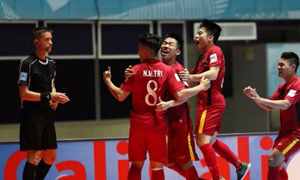 Ông bầu Futsal Việt Nam đi xả stress thế nào