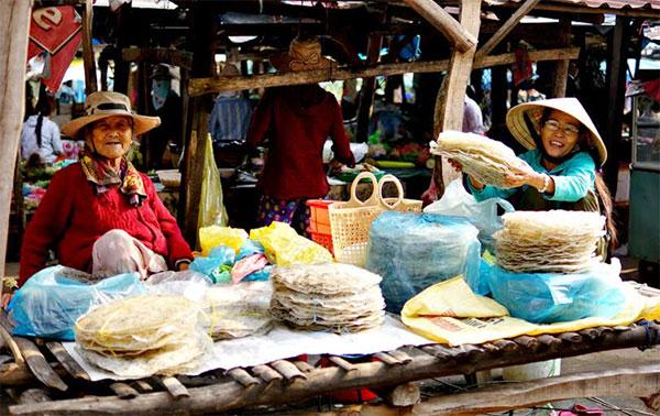 Mẹ hiền chợ quê