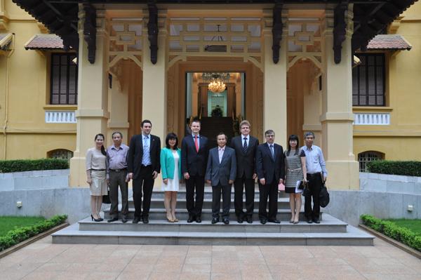 Thu hút nguồn lực trí thức người Việt Nam ở nước ngoài