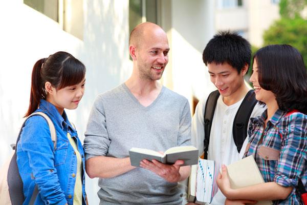 Một số giải pháp phát triển nguồn nhân lực chất lượng cao  cho TP Hồ Chí Minh