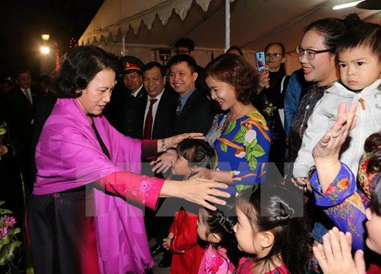 Chủ tịch Quốc hội gặp mặt thân mật cộng đồng người Việt ở Ấn Độ