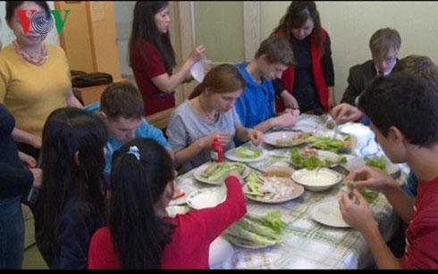 Tấm lòng từ thiện Việt Nam với trẻ em có hoàn cảnh đặc biệt ở Nga