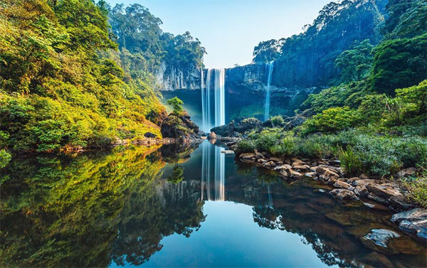 Thổn thức với vẻ đẹp tuyệt mỹ của thác K50