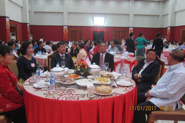 Ấm áp tết cổ truyền của cộng đồng người Việt tại Luông-pha-băng