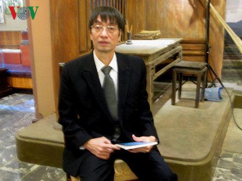 Bác sỹ Hungary gốc Việt đam mê với nghiệp viết văn