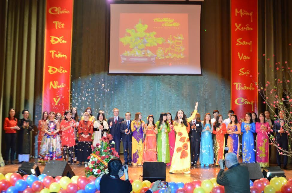Người Việt ở Kiev đón Xuân Đinh Dậu