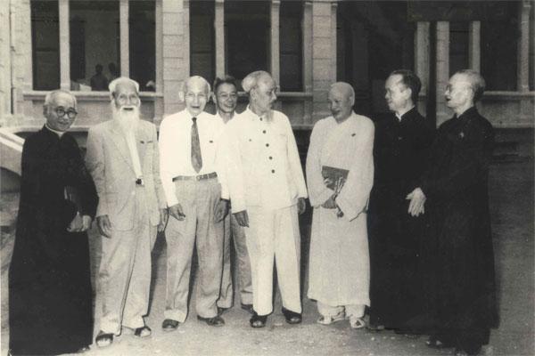 """Bài thơ """"Lời hỏi"""" - Giá trị triết học Hồ Chí Minh"""