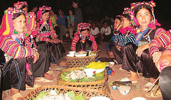 Lễ cúng cấm bản đầu năm của người Hà Nhì