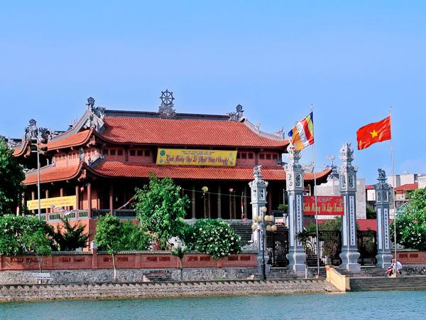 Độc đáo kiến trúc Chùa Bầu