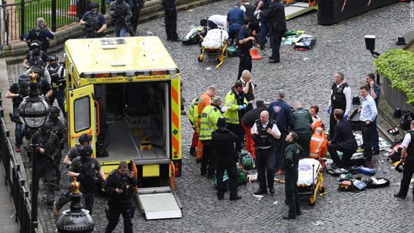 Tấn công trụ sở Quốc hội Anh: Nghi khủng bố