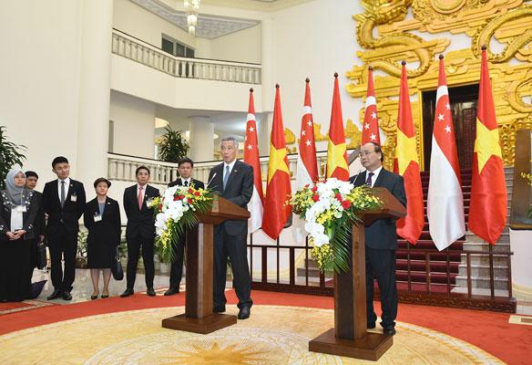 Thủ tướng Việt Nam, Singapore gặp gỡ báo chí