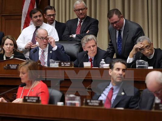 Hạ viện Mỹ hoãn bỏ phiếu về dự luật thay thế Obamacare