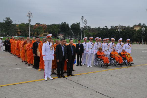 Đoàn đại biểu các nhà sư trụ trì chùa Việt tại Thái Lan thăm Việt Nam