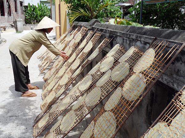 Làng nghề Bánh mè xát Tân An