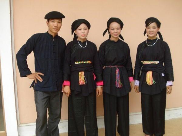 Giản dị trang phục của người Nùng An