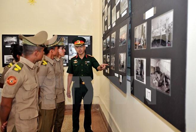 Triển lãm ảnh mừng ngày Giải phóng miền Nam, thống nhất đất nước