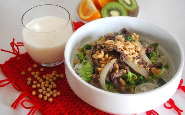 Đổi bữa sáng và bữa tối cho nhau mới đúng: Hóa ra bao lâu nay chúng ta toàn ăn sai cách