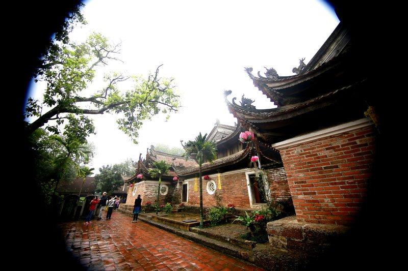 Những đường cong hút hồn ở chùa Tây Phương, Hà Nội