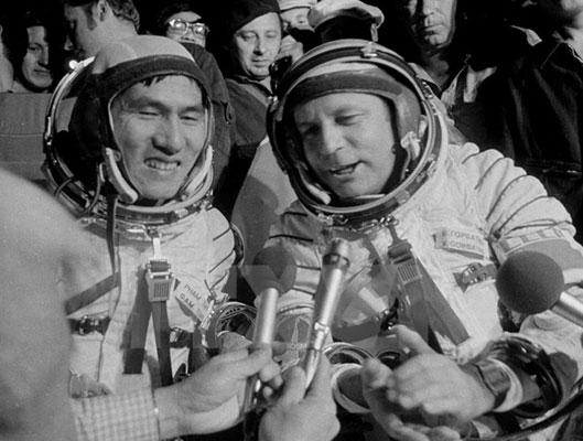 Chủ tịch nước chia buồn với gia đình phi công vũ trụ Nga qua đời